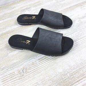 Seven 7 Malibu Slide Sandal Shoes